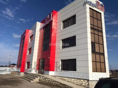 Здание, площадью 454 м², мкр Самал, 16-я улица 2а за 130 млн 〒 в Атырау, мкр Самал