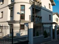 9-комнатный дом, 918.4 м², 8.2 сот.