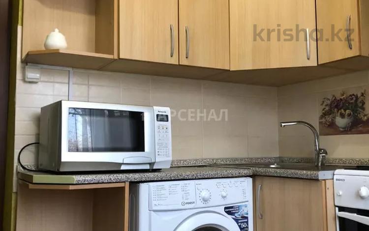 2-комнатная квартира, 45.6 м², 3/4 этаж, мкр №6, 6-й микрорайон за 16 млн 〒 в Алматы, Ауэзовский р-н