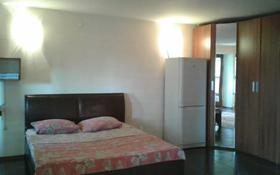 1-комнатная квартира, 45 м², 3/9 этаж посуточно, Абулхаир Хана 76 — Сазда за 6 000 〒 в Актобе, Старый город