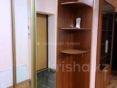 2-комнатная квартира, 55 м², 2/5 этаж, Богенбай Батыра — Шафика Чокина за 25.4 млн 〒 в Алматы, Алмалинский р-н — фото 7