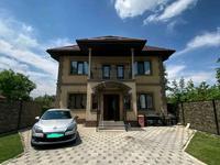 8-комнатный дом, 300 м², 5.6 сот., Луговая за 106 млн 〒 в Алматы, Медеуский р-н