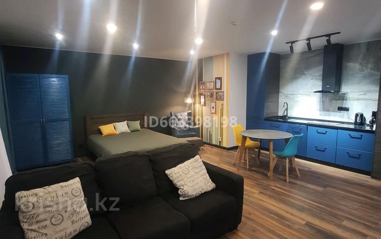 1-комнатная квартира, 51 м², 1/7 этаж посуточно, Туркестан 32 за 20 000 〒 в Нур-Султане (Астана)