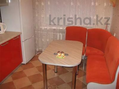 1-комнатная квартира, 38 м², 2/10 этаж посуточно, Набережная 3 за 6 000 〒 в Павлодаре