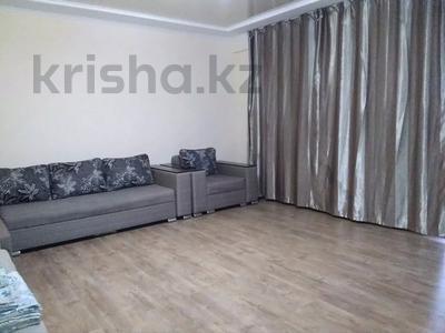3-комнатная квартира, 90 м², 14/21 этаж посуточно, Толе би 286/6 — Тлендиева за 10 000 〒 в Алматы — фото 3