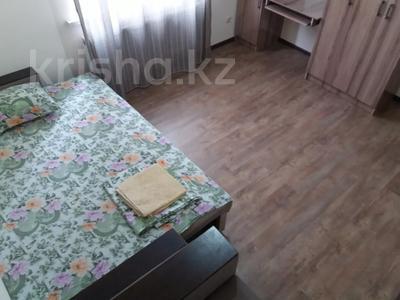 3-комнатная квартира, 90 м², 14/21 этаж посуточно, Толе би 286/6 — Тлендиева за 10 000 〒 в Алматы — фото 7