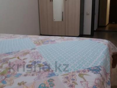 3-комнатная квартира, 90 м², 14/21 этаж посуточно, Толе би 286/6 — Тлендиева за 10 000 〒 в Алматы — фото 6