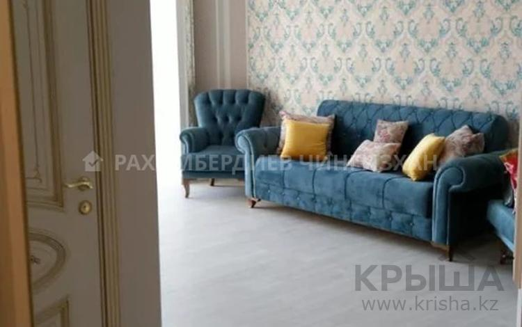 2-комнатная квартира, 65 м², 5/9 этаж помесячно, Наурызбай батыра за 420 000 〒 в Алматы, Алмалинский р-н