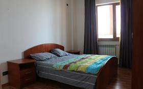 2-комнатная квартира, 78 м², 7/9 этаж помесячно, Абая 28 б за 160 000 〒 в Атырау