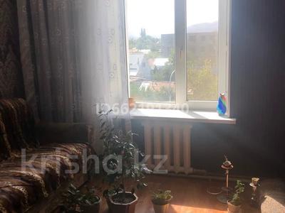 4-комнатная квартира, 78 м², 4/5 этаж, Карасай 60 — Макашева за 14 млн 〒 в Каскелене — фото 2