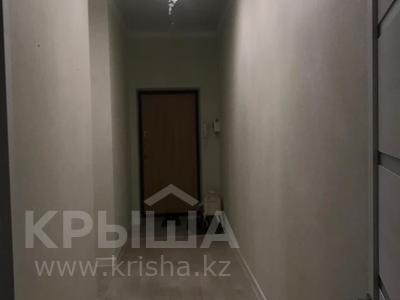 2-комнатная квартира, 65 м², 1/5 этаж, проспект Тауелсиздик за 16.7 млн 〒 в Актобе, мкр. Батыс-2