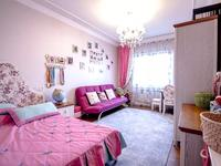 8-комнатный дом, 400 м², 2 сот.