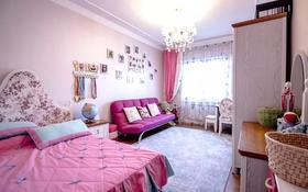 8-комнатный дом, 400 м², 2 сот., мкр Горный Гигант, Жамакаева 8 — Аль-Фараби за 601.5 млн 〒 в Алматы, Медеуский р-н