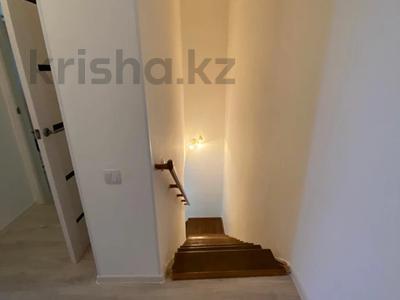 4-комнатная квартира, 107 м², 5/6 этаж, Алии Молдагуловой за 28.8 млн 〒 в Уральске — фото 3
