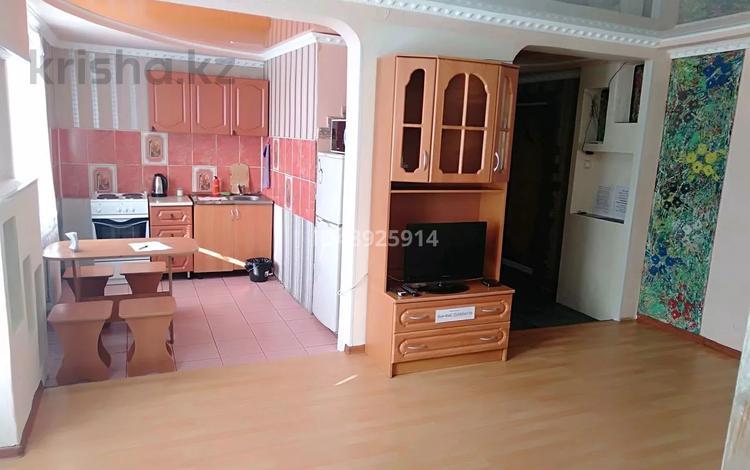 2-комнатная квартира, 50 м² посуточно, Ауэзова 42 за 8 000 〒 в Экибастузе