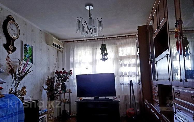 1-комнатная квартира, 32 м², 2/5 этаж, проспект Республики 22 за 10.7 млн 〒 в Шымкенте