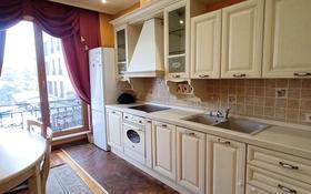 4-комнатная квартира, 160 м², 4/6 этаж помесячно, Фурманова 301 за 650 000 〒 в Алматы, Медеуский р-н
