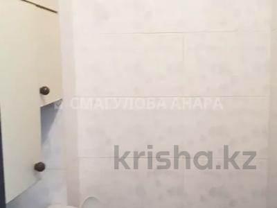 3-комнатная квартира, 60 м², 2/5 этаж помесячно, Желтоксан 26 — Жангельдина за 130 000 〒 в Нур-Султане (Астана), Сарыаркинский р-н — фото 8