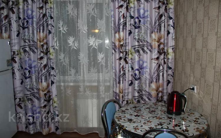 1-комнатная квартира, 34 м² посуточно, Камзина 58 — Кирова за 7 000 〒 в Павлодаре