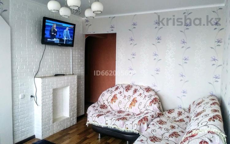 1-комнатная квартира, 65 м² посуточно, 6 мкр 14 за 7 000 〒 в Темиртау