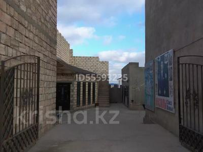 Магазин площадью 500 м², Баскудык 5/3 — Автадром_Адайский за 42 млн 〒 в Актау — фото 4