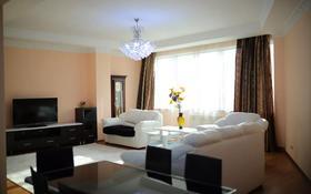 2-комнатная квартира, 90 м², 11/30 этаж посуточно, Аль-фараби 5к1А — Козыбаева за 16 000 〒 в Алматы