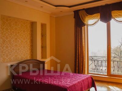 4-комнатная квартира, 180 м², 4/7 этаж помесячно, Назарбаева 301 — Кажымукана за 600 000 〒 в Алматы