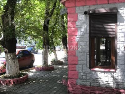 Магазин площадью 34.6 м², мкр Новый Город, Лободы 4 — Бухар-жырау за 21 млн 〒 в Караганде, Казыбек би р-н — фото 2