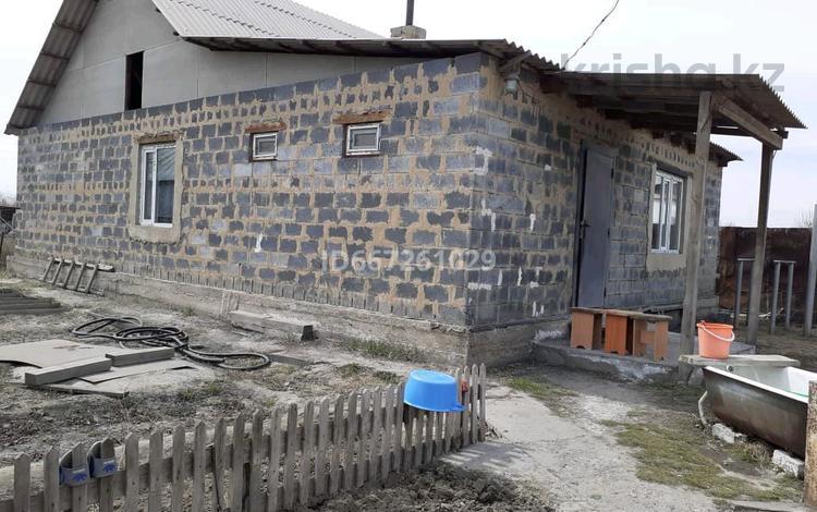 4-комнатный дом, 100 м², 7 сот., Бобровка 51-02 за 4.8 млн 〒 в Семее