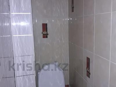 2-комнатная квартира, 56 м², 3/5 этаж помесячно, 21 микрорайон 3 за 65 000 〒 в Шымкенте
