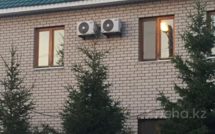 10-комнатный дом, 600 м², 10 сот., Рыскулова — Пацаева за 170 млн 〒 в Актобе