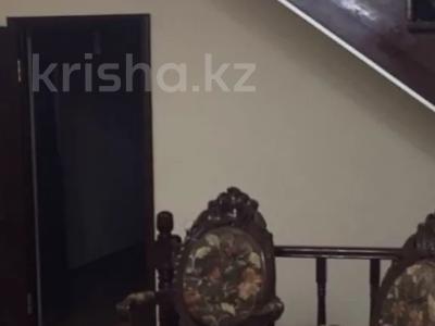 10-комнатный дом, 600 м², 10 сот., Рыскулова — Пацаева за 150 млн 〒 в Актобе — фото 2