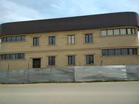 Здание, площадью 1102 м²