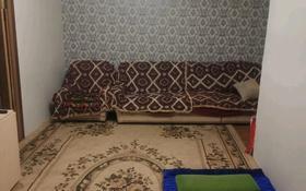 4-комнатная квартира, 61 м², 5/5 этаж, мкр Пришахтинск, 21й микрорайон за 11 млн 〒 в Караганде, Октябрьский р-н