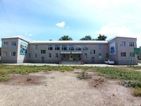 Здание, площадью 1271 м²