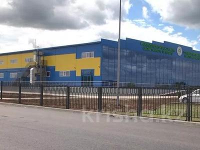 Здание, Жангир Хана 161 площадью 7000 м² за 2 500 〒 в Уральске — фото 4