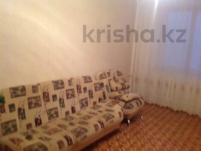 2-комнатная квартира, 57 м², 4/9 этаж помесячно, 5 мкр. 32 за 130 000 〒 в Аксае — фото 3