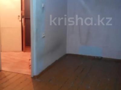 1-комнатная квартира, 36 м², 1/5 этаж, Бажова за ~ 6.3 млн 〒 в Усть-Каменогорске — фото 3
