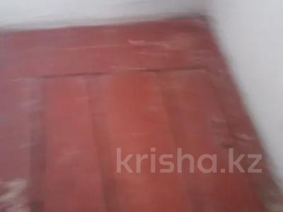 1-комнатная квартира, 36 м², 1/5 этаж, Бажова за ~ 6.3 млн 〒 в Усть-Каменогорске — фото 4