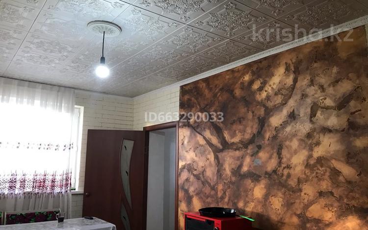 2-комнатный дом, 140 м², 10 сот., Мкр Акжар 1 за 11 млн 〒 в Шымкенте, Абайский р-н
