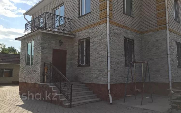 8-комнатный дом, 365 м², 6 сот., Богенбай батыра — Жумабаева за 65 млн 〒 в Семее