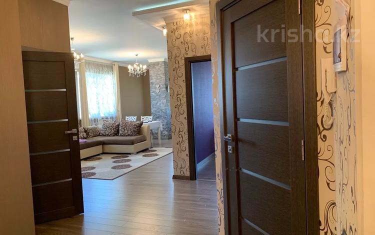 3-комнатная квартира, 83 м², 10/10 этаж, Байтурсынова за 35 млн 〒 в Шымкенте, Аль-Фарабийский р-н