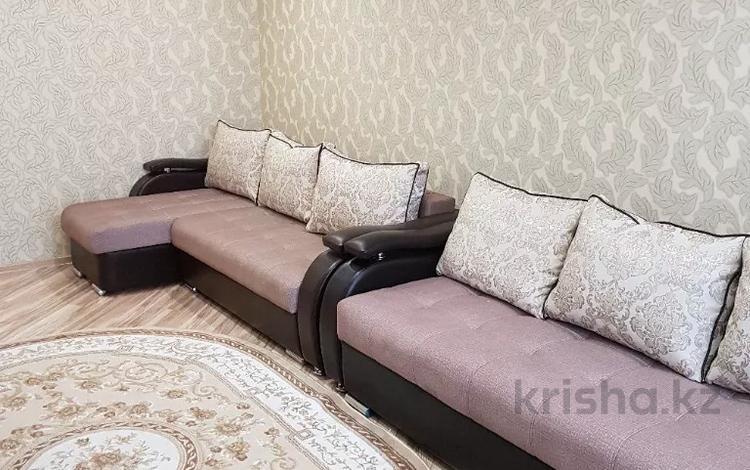 1-комнатная квартира, 51 м², 2 этаж по часам, Машхур жусупа 37а за 1 000 〒 в Экибастузе