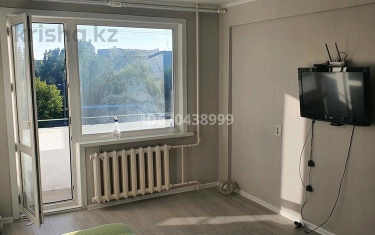 1-комнатная квартира, 35 м², 4/5 этаж, улица Льва Толстого 9 за 11.8 млн 〒 в Усть-Каменогорске