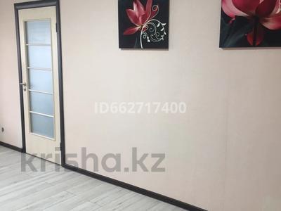 2-комнатная квартира, 43 м², 3/3 этаж, Габдулина 73 — Абая за 10.5 млн 〒 в Кокшетау — фото 3