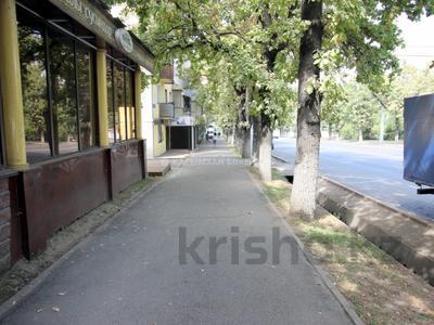 Магазин площадью 40 м², Жарокова 221 — Басенова за 300 000 〒 в Алматы, Бостандыкский р-н — фото 6