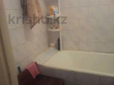 2-комнатная квартира, 47 м², 4 этаж, 8 мик 52 — Теплая за 7.5 млн 〒 в Таразе — фото 5