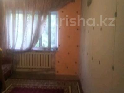 2-комнатная квартира, 47 м², 4 этаж, 8 мик 52 — Теплая за 7.5 млн 〒 в Таразе — фото 7