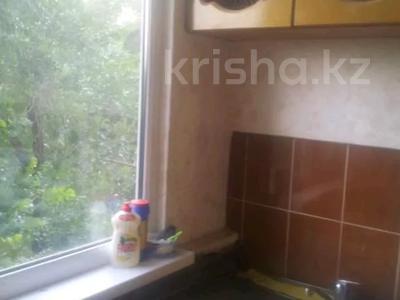 2-комнатная квартира, 47 м², 4 этаж, 8 мик 52 — Теплая за 7.5 млн 〒 в Таразе — фото 9