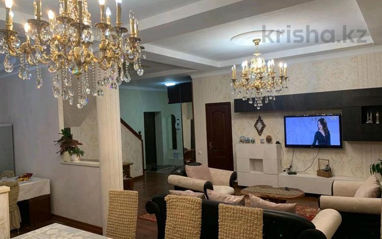 5-комнатный дом посуточно, 170 м², Кожакеева 5 за 30 000 〒 в Алматы, Бостандыкский р-н